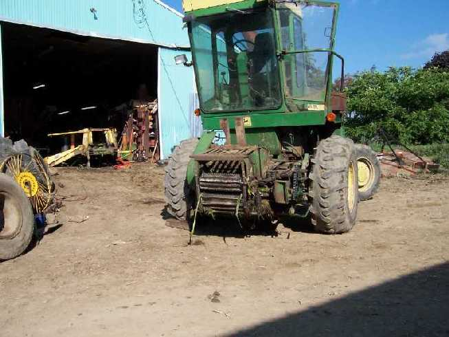 picture of a forage chopper